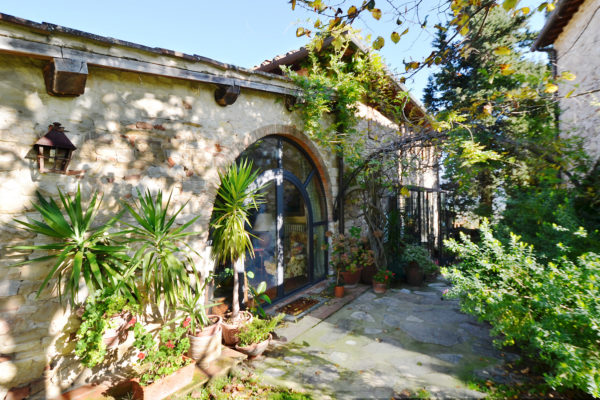 Villa B&B for sale in Chianti near Florence