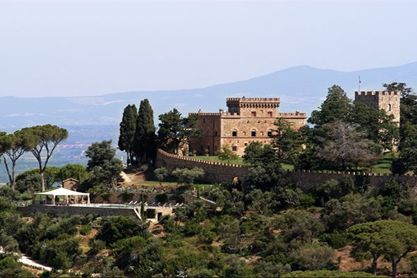 Royal Castle – Majestic accommodation for a remarkable Tuscan holiday