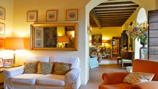Country house for Sale in Country side, Country house for sale in Tuscany, Luxury Real Estate Florence