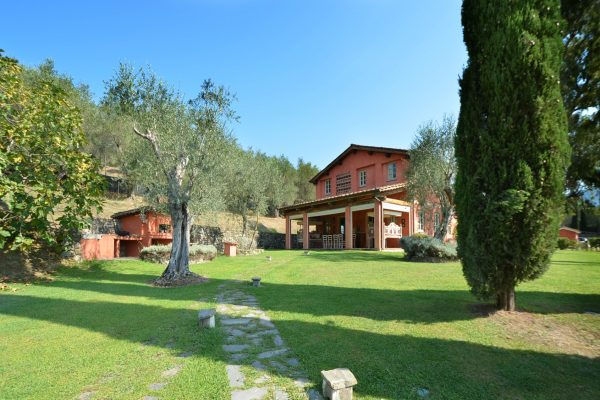 Luxury-country-House-for-Sale-in-Tuscany-13