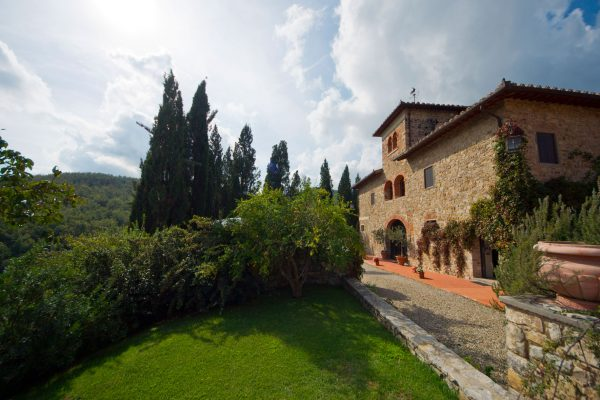 Country estate with winery for sale in the heart of Chianti