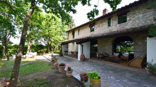 Gorgeous country house for sale in Tuscany near Florence,luxury properties for sale in Tuscany,real estate in italy,villa for sale in tuscany