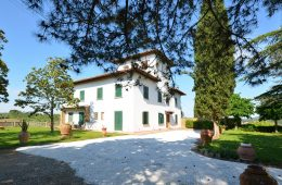 historical-villa-and-tower-for-sale-in-chianti31
