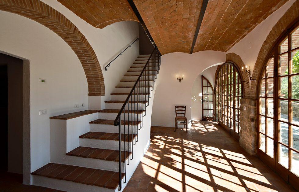 Villa-for-sale-in-Gaiole-in-chianti-Tuscany-22