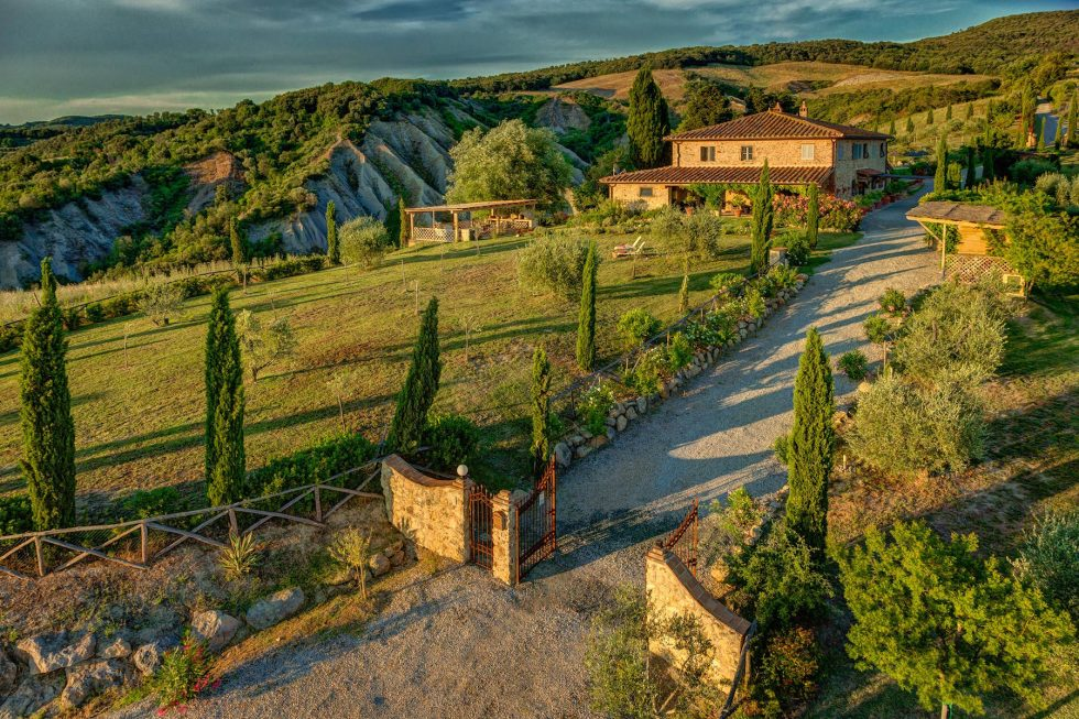 Villa for sale in Tuscany countryside4