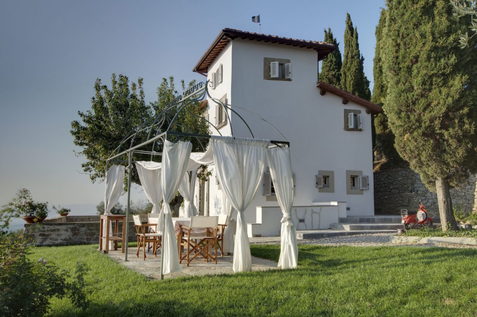 Villa for sale near Arezzo and Florence36