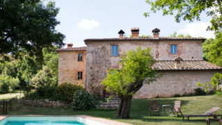 enchanting villa for sale with pool near Siena, country house villa near Siena for sale
