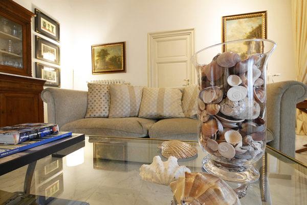 Seaview villa for sale in Tuscany near Bolgheri