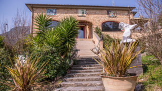 Villa for sale on the Tuscan Coast,property for sale in Tuscany,villa for sale in Camaiore,villa for sale in Versilia