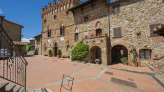 noble castle with pool for sale,castle in chianti countryside for sale,noble manor for sale near Arezzo