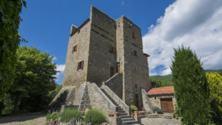 tower property for sale near Cortona,historical tower for sale near Cortona,property with pool for sale near Cortona