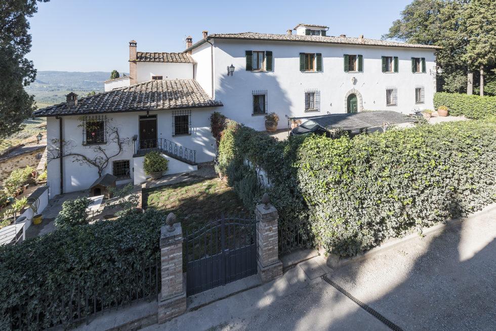 Borgo In Chianti1