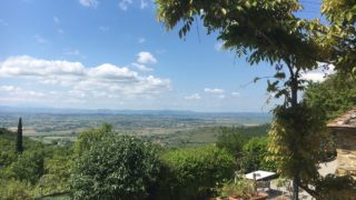 historical borgo with swimming pool for sale in the Cortona countryside