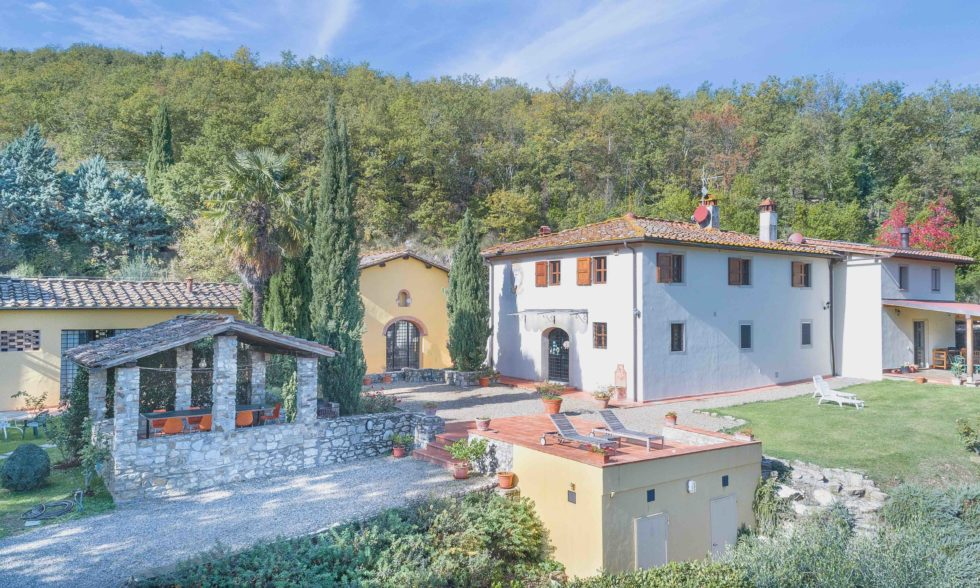 VILLA GLI OLMI VILLA B&B FOR SALE CLOSE TO FLORENCE EXTERNAL7