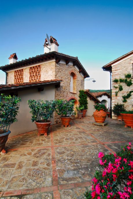 Property for sale in Chianti listed by Precious Villas Real Estate10